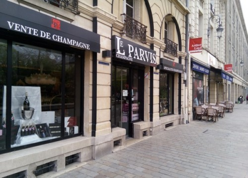 in reims buying champagne where to shop for champagne. Black Bedroom Furniture Sets. Home Design Ideas